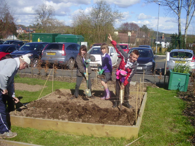 Gardening Club Ideas School clubs leominster primary school gardening club 201617 the children in the gardening club are working very hard clearing tidying and planting we hope you all enjoy looking at the workwithnaturefo